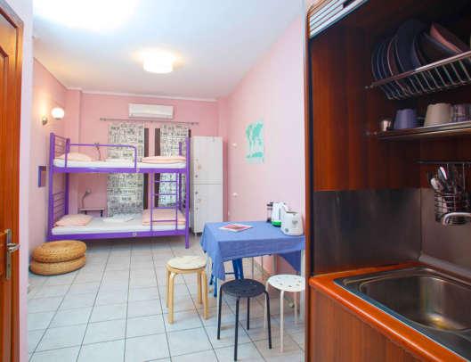 3.Superior 6 Bed Mixed Dorm Ensuite (Room 1)